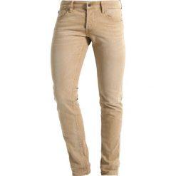 Le Temps Des Cerises Jeansy Slim Fit beige. Brązowe jeansy męskie Le Temps Des Cerises, z bawełny. W wyprzedaży za 375,20 zł.