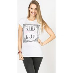 BLUZKA GIRL ON THE RUN. Szare bluzki dziewczęce bawełniane Yups, z nadrukiem, z krótkim rękawem. Za 12,00 zł.