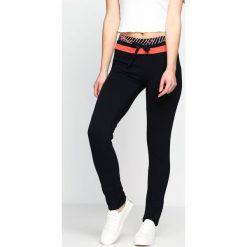 Spodnie dresowe damskie: Granatowe Spodnie Dresowe Brownie