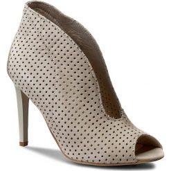 Botki CARINII - B3465M Samuel 1394. Brązowe buty zimowe damskie Carinii, z materiału, eleganckie. W wyprzedaży za 199,00 zł.
