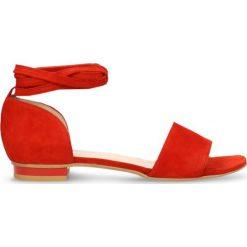 Sandały SALY. Czerwone sandały damskie Gino Rossi, ze skóry. Za 229,90 zł.