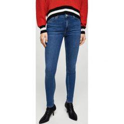 Mango - Jeansy Andrea. Niebieskie jeansy damskie Mango. W wyprzedaży za 99,90 zł.