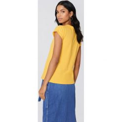 Rut&Circle T-shirt Ella Basic - Yellow. Żółte t-shirty damskie Rut&Circle, z bawełny. Za 80,95 zł.