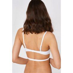 Calvin Klein Biustonosz Triangle - White. Białe biustonosze bardotka Calvin Klein. W wyprzedaży za 121,48 zł.