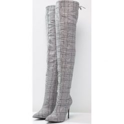 Glamorous Kozaki na obcasie black. Różowe buty zimowe damskie marki Glamorous, z nadrukiem, z asymetrycznym kołnierzem, asymetryczne. Za 369,00 zł.