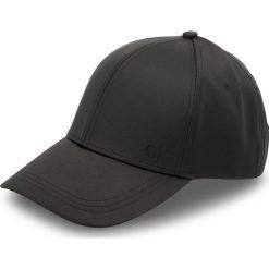 Czapka z daszkiem CALVIN KLEIN - Satinette Cap K60K604717 001. Czarne czapki z daszkiem damskie Calvin Klein, z elastanu. Za 159,00 zł.