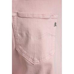 Replay Jeansy Relaxed Fit light pink. Zielone jeansy dziewczęce marki Replay, z bawełny. Za 289,00 zł.
