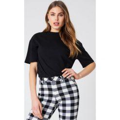 Bluzy rozpinane damskie: NA-KD Basic Bluza oversize z krótkim rękawem - Black