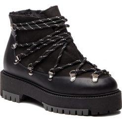 Trapery L37 - Ice Breaker S29SN8 Black. Czarne buty zimowe damskie marki L37, z materiału, retro. W wyprzedaży za 459,00 zł.