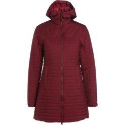 Jack Wolfskin CLARENVILLE Kurtka Outdoor garnet red. Czerwone kurtki sportowe damskie marki Jack Wolfskin, m, z materiału. W wyprzedaży za 394,50 zł.