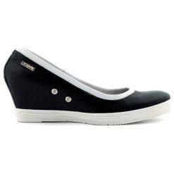 Buty ślubne damskie: Skórzane czółenka w kolorze czarnym