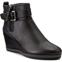 Botki GEOX - D Illusion A D6454A 00085 C9999 Black. Czarne buty zimowe damskie Geox, z materiału, na obcasie. W wyprzedaży za 299,00 zł.