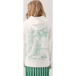 Bluzy damskie: Bluza z haftowaną grafiką redesign – Biały