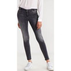 Liu Jo Jeans BOTTOM UP CHARMING REG.W.      Jeans Skinny Fit denim grey. Szare rurki damskie Liu Jo Jeans. W wyprzedaży za 559,20 zł.