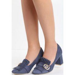 Granatowe Czółenka Laver. Niebieskie buty ślubne damskie Born2be, z materiału, z okrągłym noskiem, na obcasie. Za 59,99 zł.