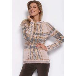 Różowy Sweter Tuesdey. Czerwone swetry klasyczne damskie Born2be, na jesień, uniwersalny. Za 59,99 zł.
