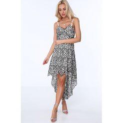 Sukienka z dłuższym tyłem kremowo-czarna ZZ359. Białe sukienki z falbanami marki Fasardi, l. Za 119,00 zł.