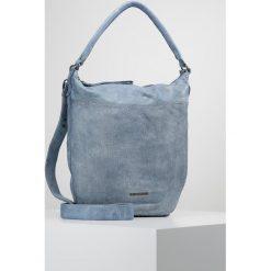 FREDsBRUDER CENTRAL Torba na zakupy light blue. Niebieskie torebki klasyczne damskie FREDsBRUDER. W wyprzedaży za 629,25 zł.