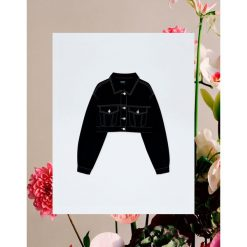 Czarna kurtka jeansowa Pull&Bear by Rosalía. Czarne kurtki damskie jeansowe Pull&Bear. Za 159,00 zł.