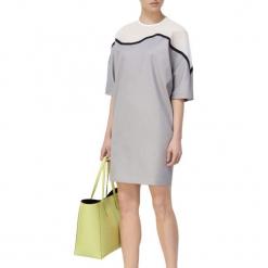 Sukienka w kolorze szarym. Szare sukienki mini marki BOHOBOCO, z okrągłym kołnierzem, proste. W wyprzedaży za 939,95 zł.