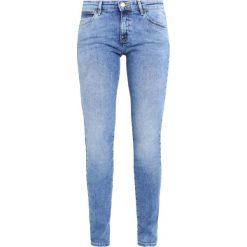 Rurki damskie: Wrangler BODY BESPOKE Jeansy Slim Fit body bespoke best blue