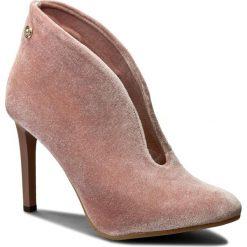 Szpilki CARINII - B3912 J31-000-000-A92. Czerwone buty zimowe damskie Carinii, z materiału. W wyprzedaży za 149,00 zł.