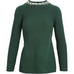 Zielony Sweter Shake Up. Zielone swetry klasyczne damskie Born2be, l, ze stójką. Za 89,99 zł.