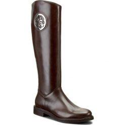 Oficerki GUESS - Carina FLCAR4 LEA11 DBROW. Brązowe buty zimowe damskie Guess, ze skóry, na obcasie. W wyprzedaży za 629,00 zł.