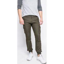 Produkt by Jack & Jones - Spodnie. Szare joggery męskie PRODUKT by Jack & Jones, z bawełny. W wyprzedaży za 99,90 zł.