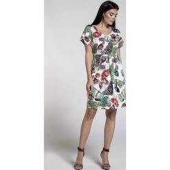 Ecru Wizytowa Sukienka Bombka z Dekoltem V w Motyle. Szare sukienki koktajlowe marki Molly.pl, l, dekolt w kształcie v, z krótkim rękawem, mini, bombki. W wyprzedaży za 145,92 zł.