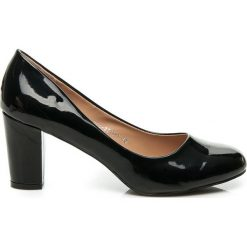 CHERE lakierowane czółenka. Czarne buty ślubne damskie Yes Mile, z lakierowanej skóry. Za 89,90 zł.