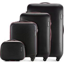 Zestaw walizek 56-3-61K-10. Czarne walizki marki Wittchen, z gumy, duże. Za 805,38 zł.