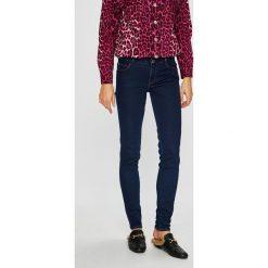 Guess Jeans - Jeansy Curve X. Niebieskie jeansy damskie rurki Guess Jeans, z aplikacjami, z bawełny. Za 459,90 zł.