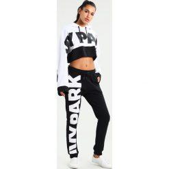 Bluzy rozpinane damskie: Ivy Park CROP HOODY Bluza z kapturem white/black