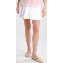 Spódniczki trapezowe: Slacks & Co. LOUISA Spódnica trapezowa white