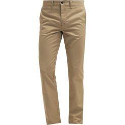 Spodnie męskie: Edwin POLLY Chinosy light khaki