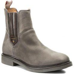 Sztyblety GANT - Ashley 15553121 Asphalt Gray G82. Szare buty zimowe damskie marki GANT, z materiału, na obcasie. W wyprzedaży za 359,00 zł.