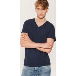 T-shirt basic - Granatowy. Niebieskie t-shirty męskie marki House, l. Za 19,99 zł.