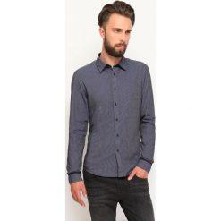 KOSZULA DŁUGI RĘKAW MĘSKA. Szare koszule męskie Top Secret, m, z tkaniny, z długim rękawem. Za 49,99 zł.