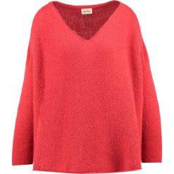 Swetry klasyczne damskie: American Vintage VACAVILLE Sweter kiss