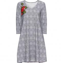 Sukienka dżersejowa z haftem bonprix czarno-biały w kratę. Białe sukienki na komunię marki bonprix, na co dzień, z aplikacjami, z dżerseju, rozkloszowane. Za 89,99 zł.