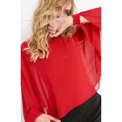 Bluzka bimaterial z koralikami. Czerwone bluzki asymetryczne Orsay, z dzianiny, z dekoltem na plecach. Za 89,99 zł.