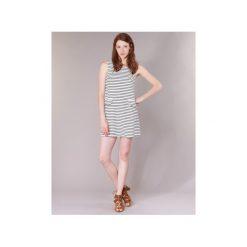 Sukienki krótkie Compania Fantastica  OLIVE. Białe sukienki mini marki Compañía fantástica, s, z krótkim rękawem. Za 143,20 zł.