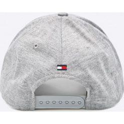 Tommy Hilfiger - Czapka Varsity. Szare czapki z daszkiem męskie marki TOMMY HILFIGER, z bawełny. W wyprzedaży za 159,90 zł.