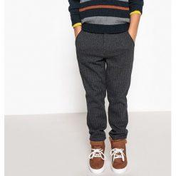 Spodnie w paski 3-12 lat. Szare spodnie chłopięce La Redoute Collections, w paski, z bawełny. Za 69,26 zł.