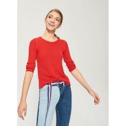 Sweter basic - Czerwony. Czerwone swetry klasyczne damskie Sinsay, l. Za 39,99 zł.