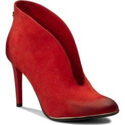 Szpilki CARINII - B3255/OT H55-000-000-A92. Czerwone botki damskie skórzane marki Mohito. W wyprzedaży za 229,00 zł.