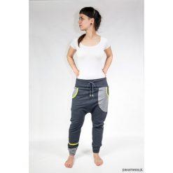 Spodnie dresowe damskie: Spodnie damskie baggy – dres (grafit + limonka)