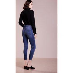 CLOSED PUSHER Jeans Skinny Fit easy wash. Niebieskie jeansy damskie relaxed fit CLOSED, z bawełny. Za 749,00 zł.