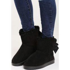 Czarne Śniegowce Snowball. Czarne buty zimowe damskie marki Cropp. Za 79,99 zł.